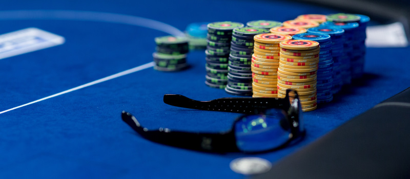 Live Poker Guide Chips
